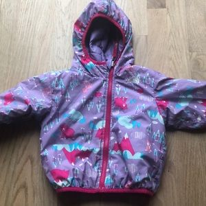North Face girls winter jacket 12-18 runs bigger